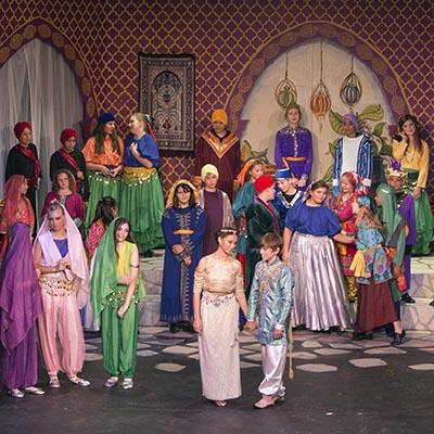 18-19_aladdin_costumes