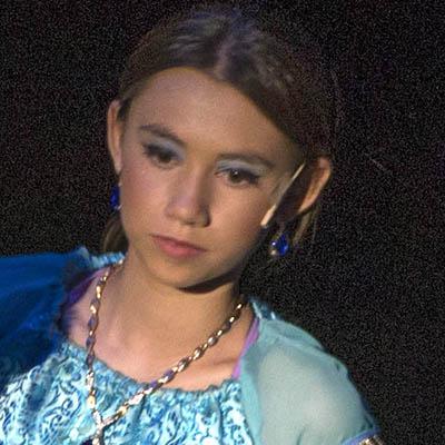 18-19_aladdin_female_lead_child-jp